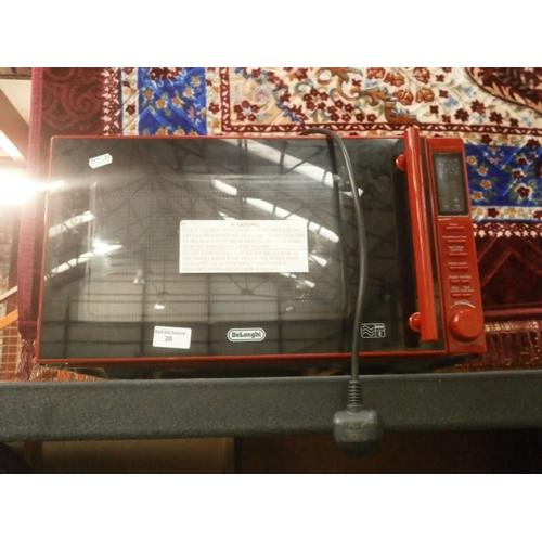 20 - Delonghi 900w microwave...