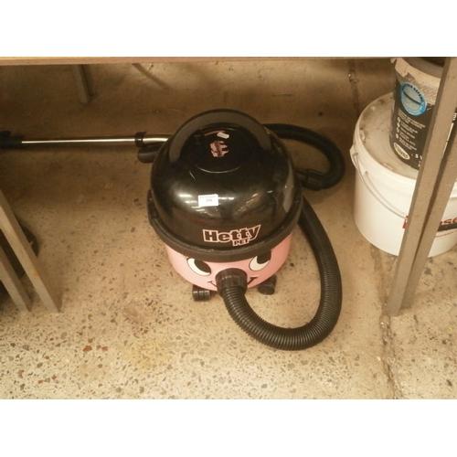 216 - Hetty pet compact vacuum cleaner...