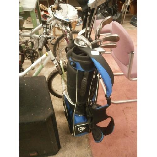232 - Dunlop golf bag with Dunlop golf clubs...