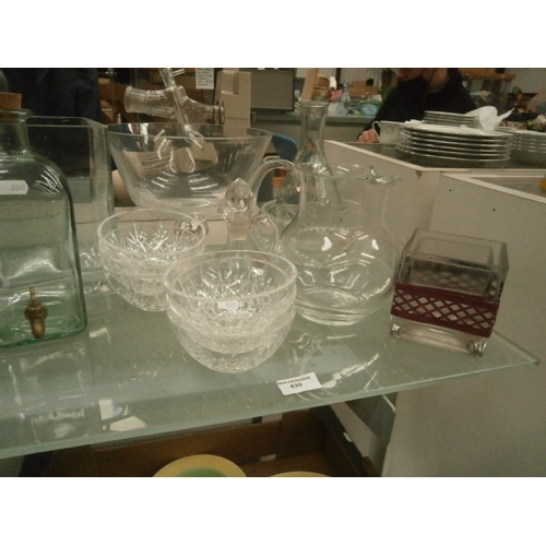430 - Collection of various glassware...