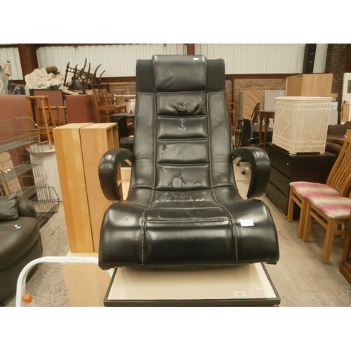 617 - Large gaming chair...