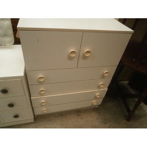 735 - 4 drawer tallboy...