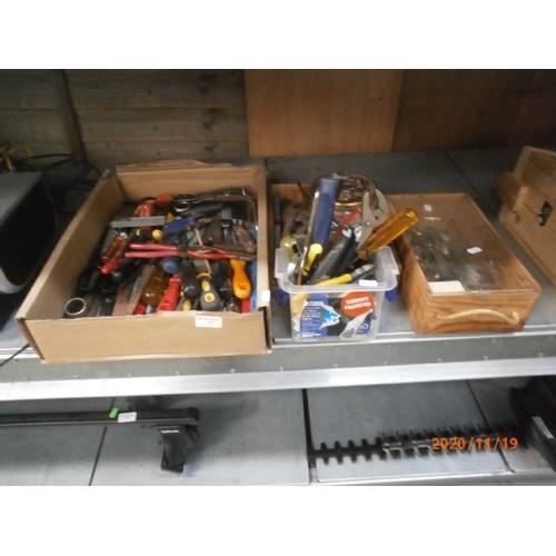 11 - Quantity of hand tools...