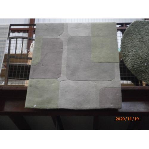 184 - Modern patterned rug...