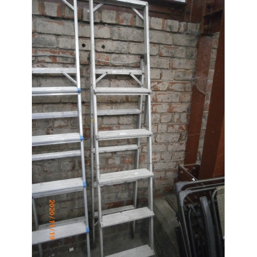 626 - Folding aluminium stepladder...
