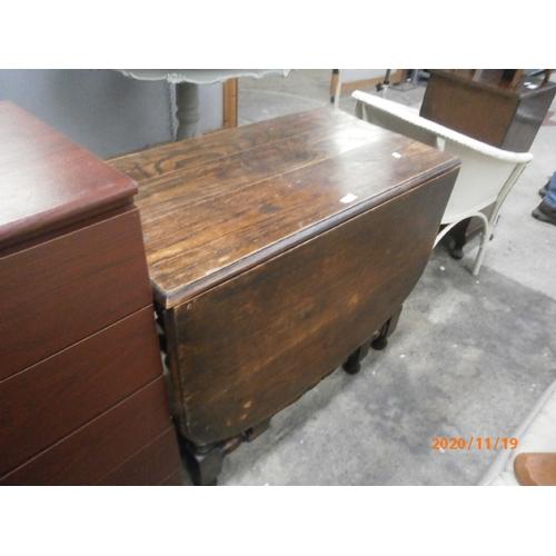 729 - Large vintage gate leg dining table...