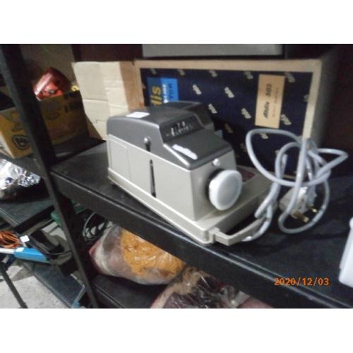 36 - Aldis colour slide projector working...