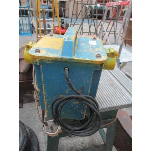 1020 - 240/110 volt transformer