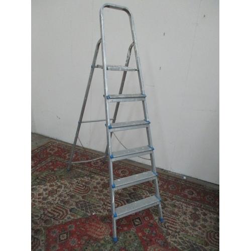 1037 - Aluminium step ladders