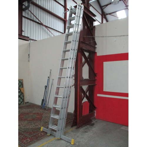 1048 - Lyte aluminium 14 rung triple extending ladders as new. Extended height 9.63m