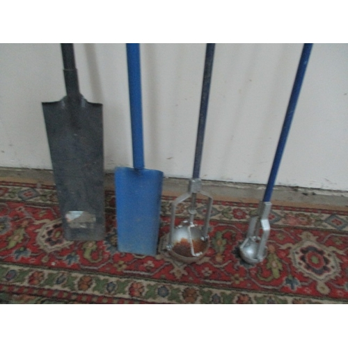 1049 - 2 gully grab drain cleaner scoops and 2 drain spades