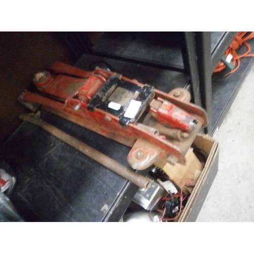 23 - Hydraulic car jack. As found