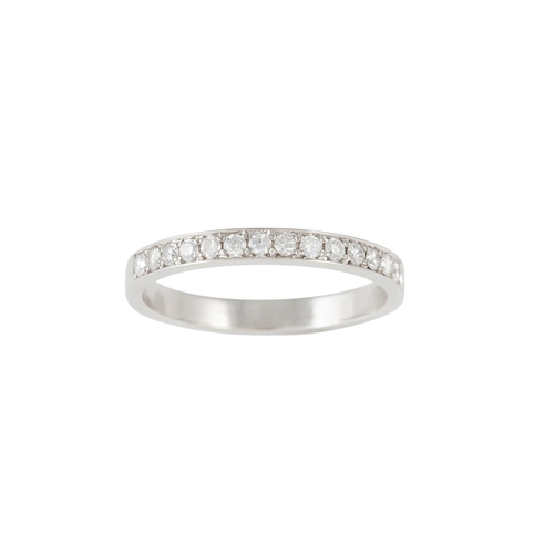 18 - A HALF ETERNITY DIAMOND RING, of approx. 0.20ct in total, mounted in platinum...