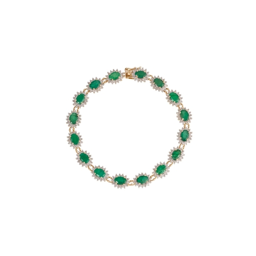 35 - AN EMERALD AND DIAMOND BRACELET, mounted in 18ct yellow gold...