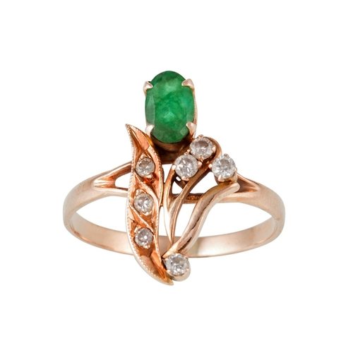 18 - AN EMERALD AND DIAMOND DRESS RING, size K/L...