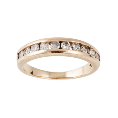 2 - A DIAMOND HALF ETERNITY RING with diamonds of approx 0.80 ct, mounted in 14ct gold, size O....