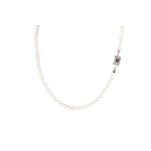 27 - A SINGLE ROW CULTURED PEARL NECKLACE, to a white gold sapphire set clasp...