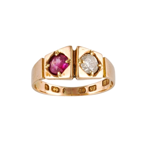 318 - A RUBY AND DIAMOND RING TWO STONE RING. Estimated weight of ruby: 0.40 ct; diamond: 0.30 ct....