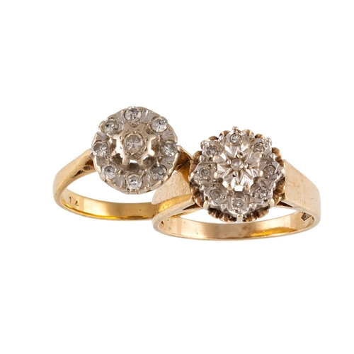 319 - TWO DIAMOND CLUSTER RINGS...