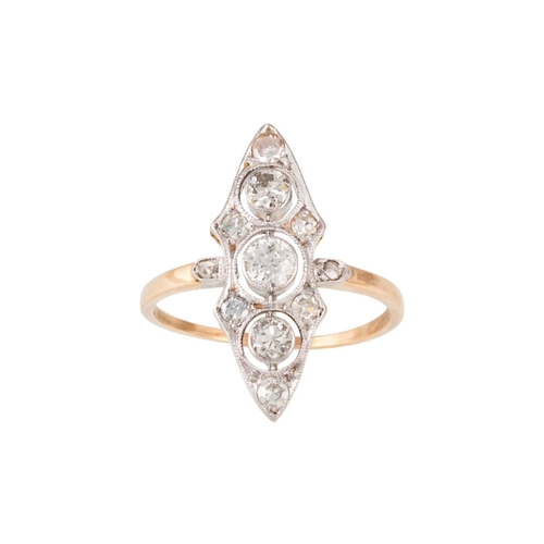 381 - AN EARLY 20TH CENTURY DIAMOND NAVETTE DRESS RING, with diamonds of approx 0.85ct in total, size N....