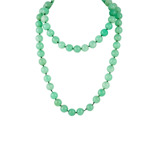 385 - A JADE BEAD NECKLACE, single row of sixty six round jadeite beads, 11.5mm - 12.50 ct each....