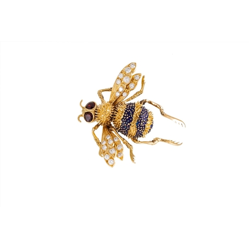 59 - A FINE QUALITY BOUCHERON NOVELTY BEE BROOCH, diamond set wings, garnet eyes and enamelled thorax, mo...