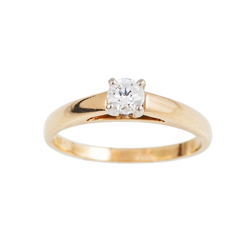41 - A DIAMOND SOLITAIRE RING, the brilliant cut diamond mounted in 18ct yellow gold. Estimated; weight o...