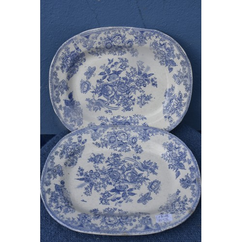72 - A MATCHING PAIR OF BLUE AND WHITE PLATTERS