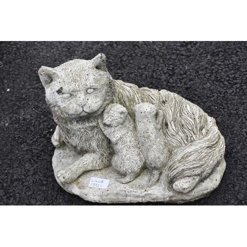 125 - PUSSY CAT & KITTENS GARDEN FIGURINE