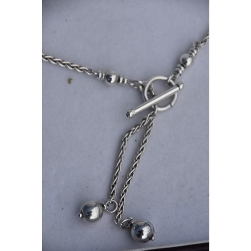239 - A SILVER NECKLACE IN BOX