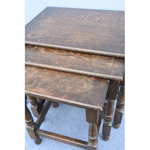 347 - AN OAK NEST OF TABLES