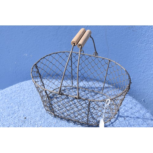 426 - A WIRE  EGG BASKET