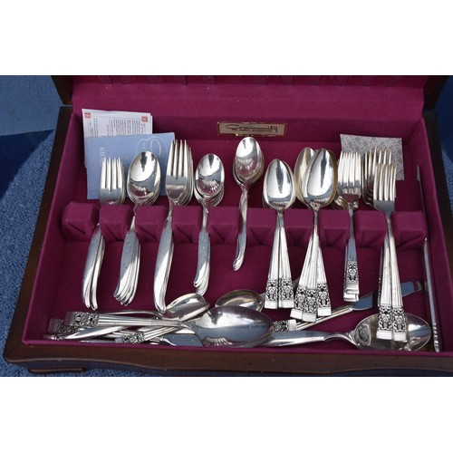 509 - A CANTEEN OF CUTLERY