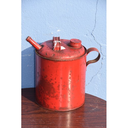 557 - SMALL RED OIL CAN
