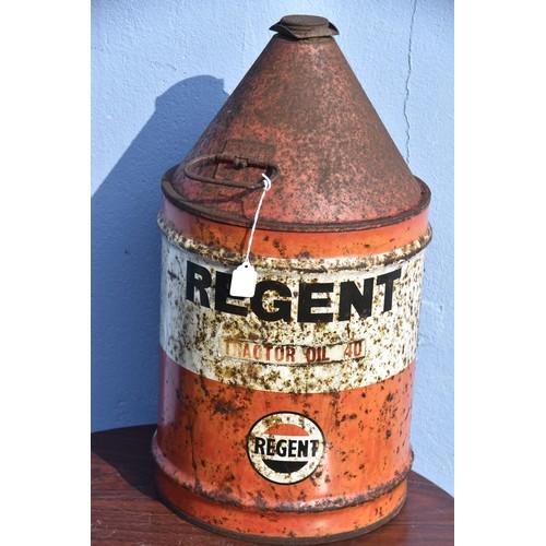 566 - REGENT 5 GALLON OIL CAN
