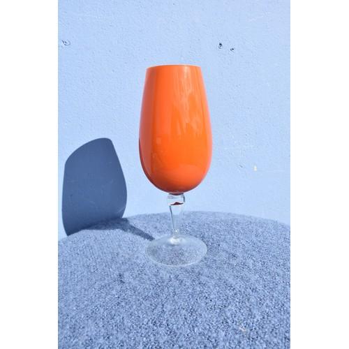 70 - ORANGE GLASS CENTREPIECE (SLIGHT CHIP TO BASE)