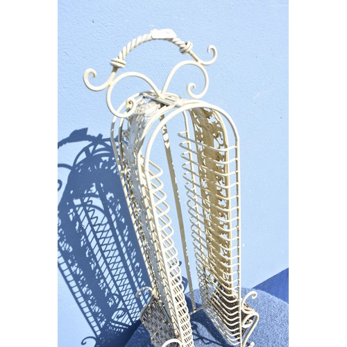 114 - WHITE METAL STAND