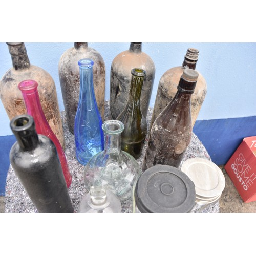 18 - A BOX OF ASSORTED BOTTLES