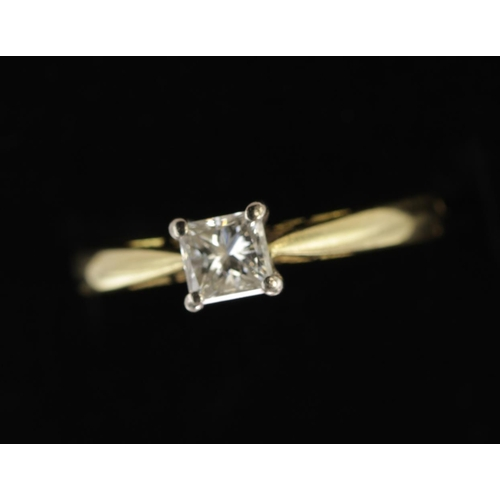 12 - 18ct Gold Ring set with Square cut Diamond approx 0.50 ct weight size N weight 3.3g...