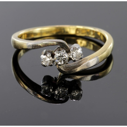 17 - 18ct Gold Diamond set Ring size M weight 3.1g...