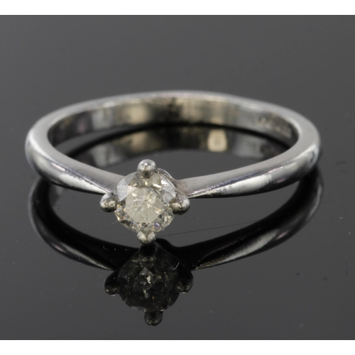 22 - Platinum Ring set with Diamond approx 0.20ct weight size L weight 3.6g...