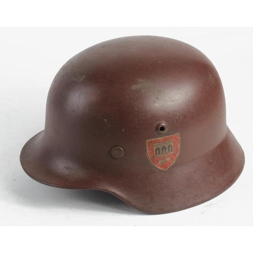 1016 - WW2 German Feldherren Halle M40 Helmet. Rim stamped hkp64...