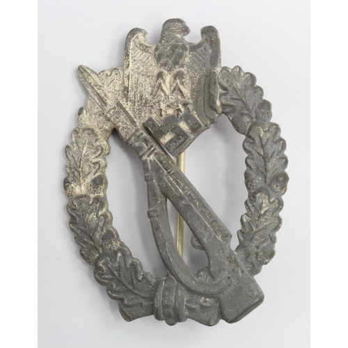 1021 - WW2 German Infantry Assault Badge...