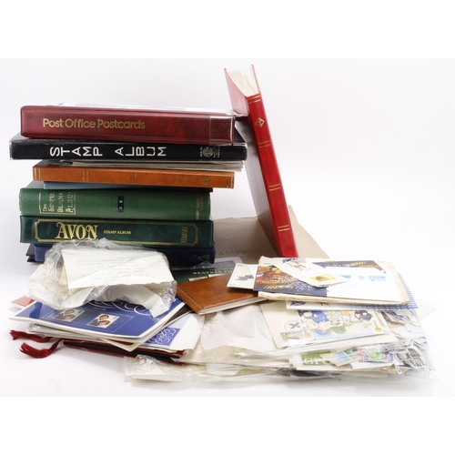 24 - GB - large box of used and mint material in albums and stockbooks, plus loose, a Smilers sheet, QV P...