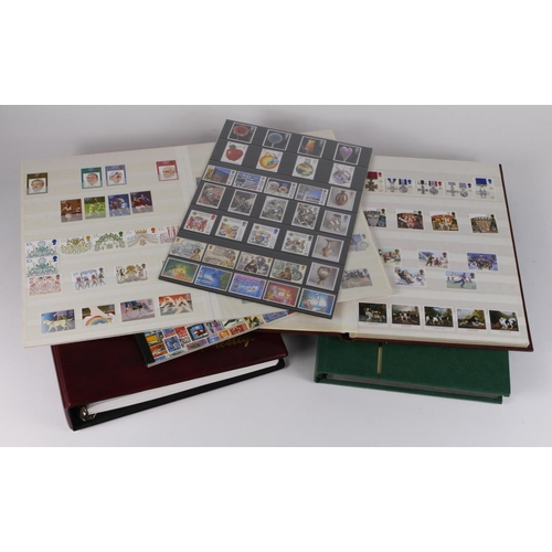 35 - GB - QE2 modern UM sets in 5x albums, small qty of pre decimal ie unchecked Wildings, Machins to £1....