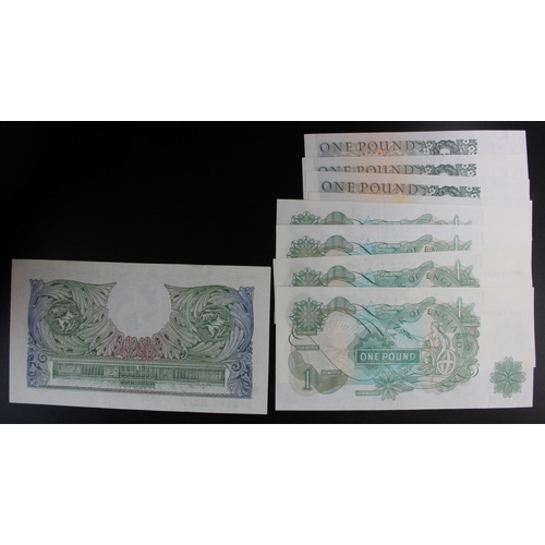 34 - Bank of England (9), a collection of 1 Pound notes in 4 consecutive pairs and one single, Beale seri...