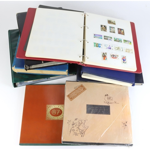33 - GB - banana box of various collections and duplicated material in albums and stockbooks. Noted Davo ...