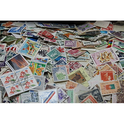 52 - Worldwide box of unsorted loose off paper stamps 1.5kg of good quality mixture early to modern many ...