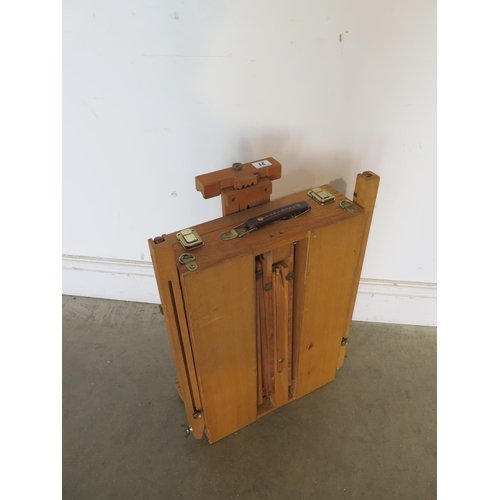 21 - A portable sketching easel...