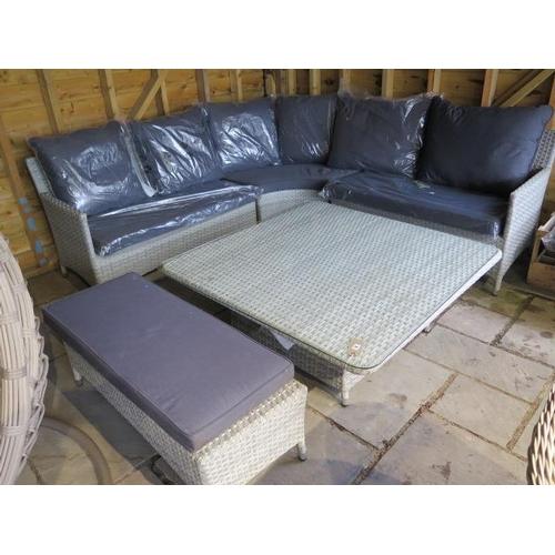 53 - A Bramblecrest Atlanta Supreme square modular sofa set with a bench and cushions, ex-display...